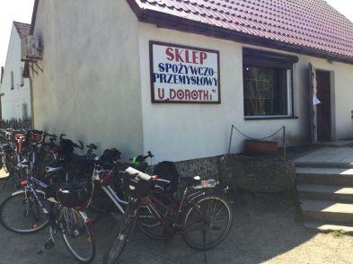Dorfladen in Studnica - immer einen Stop wert